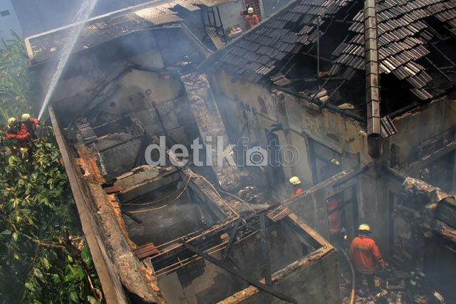 Kebakaran Landa Sebuah Rumah di Gambir