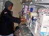 Berbagai jenis obat yang tersimpan di depo farmasi di BPHI Daker Madinah.
