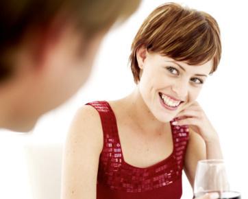 Naksir dengan Pria? Ini Tips untuk Mendekatinya