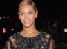 Usai melahirkan, Beyonce tampil seksi dengan balutan gaun menerawang saat menghadiri acara 'Schiaparelli And Prada: Impossible Conversations' di Metropolitan Museum of Art, New York, Amerika Serikat. Larry Busacca/Getty Images.