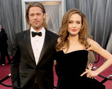 Angelina Jolie & Brad Pitt Digosipkan Menikah Saat Natal
