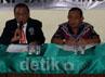 BNNP Jatim menggelar jumpa pers terkait penangkapan ini di kantor PNNP Jatim Jl Ngagel Madya, Jumat (25/1/2013).