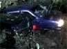 Dua dari tiga mobil yang tertimpa longsoran.