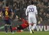 Dalam pertandingan di Camp Nou, Rabu (27/2/2013) dinihari WIB, Cristiano Ronaldo menyumbang dua gol Madrid. Salah satunya dari titik putih. REUTERS/Albert Gea.