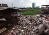 Waduk tersebut cukup luas, sayangnya sekeliling waduk itu terdapat pemukiman padat. Selain itu sampah-sampah juga terlihat di tepian waduk itu, air waduk itu juga terlihat kotor.