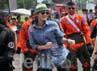 Luna Maya ikut menari bersama Den Bravo TNI AU. Gus Mun/detikHOT.