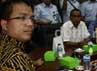 Keluarga 4 tahanan yang tewas di LP Cebongan, Sleman, Yogyakarta menemui Wamen Kemenkum HAM, Denny Indrayana di kantor Kemenkumham. Ramses/detikfoto