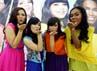 Kelompok vokal Sparkling terdiri dari Maria Christy Anastasia, Shelya Regina Widyarahman, Natasya Gabriella Regina, dan Genia Despriana.