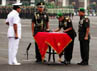 Jenderal Pramono Edhie menandatangani surat serah terima jabatan dengan disaksikan Panglima TNI Laksamana Agus Suhartono.