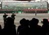 Sertijab dilakukan di hadapan ribuan parajurit yang berbaris rapi di halaman Mabes TNI AD.