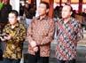 Para tamu undangan di antaranya mantan ajudan Soeharto, Wiranto, Fuad Bawazier ikut menyaksikan diresmikannya monumen Soeharto di Kemusuk.