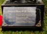 Prasasati yang ada di kaki patung Soeharto mengenai riwayat kelahiran hingga wafat.