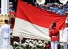 Pengibaran sang saka Merah Putih oleh 66 anggota Pasukan Pengibar Bendera Pusaka (Paskibraka) dari 33 provinsi Indonesia. Cahyo/Setpres.