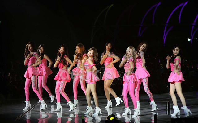 Meriahnya Konser Serba Pink SNSD!