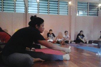 Yuk, Intip Serunya Kelas Prenatal Yoga untuk Ibu Hamil