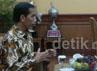 Gubernur DKI Joko Widodo (Jokowi) tiba di Kantor Wali Kota Bandung di Balai Kota Bandung, Jalan Wastukancana sekitar pukul 10.45 WIB.
