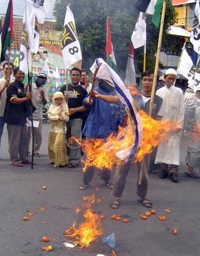 PKS Bakar Bendera Israel dan Amerika Serikat