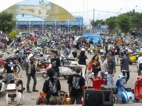 Vespa Gembel, Bak Tong Sampah Berjalan