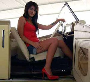 Sheila Marcia Naik Mobil Antik