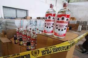Bea Cukai Musnahkan 103.057 Botol Miras