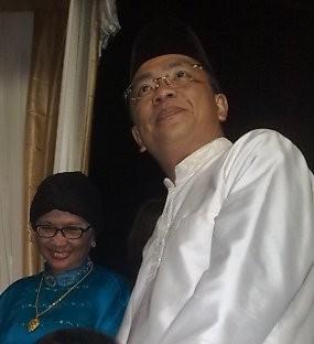 Antar Helmy Yahya Lamaran, Tantowi Takut Berbalas Pantun