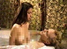 Foto Adegan Seks Ayu Azhari Mendadak Beredar!
