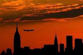 Pesawat Boeing Nyaris Tabrakan di Udara