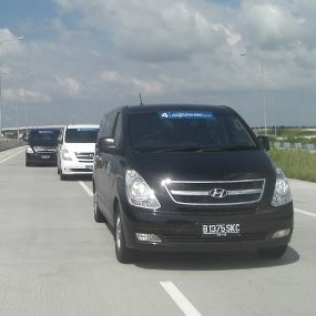 Hyundai H-1 Siap Rebut Pasar Alphard
