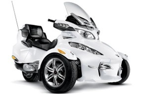 Motor Roda Tiga CanAm Spyder Terbaru