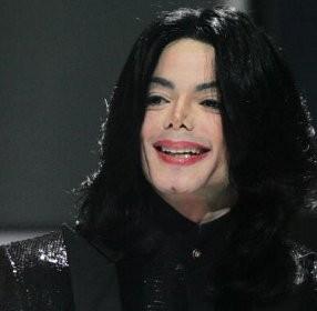 Keluarga Michael Jackson Tuntut Promotor \This Is It\