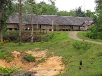 Rumah Betang Ensaid Panjang Tampak Depan