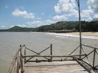 PANTAI. Suasana hangatnya kenyamanan Pantai Pasir Panjang di siang hari.