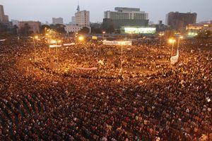 Internet, Twitter, Demokrasi dan Revolusi