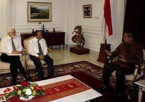 Orang Terkaya ke-6 RI Bertemu SBY