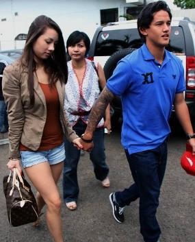 Menunggu Akhir Kisah Rencana Pernikahan Jennifer dan Irfan Bachdim