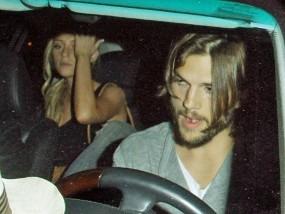 Sara: Aku Tak Akan Tidur dengan Ashton Jika Pernikahannya Bahagia