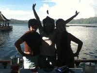 Bergaya di Danau Batur