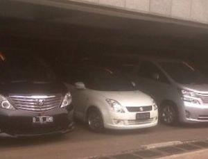 Tradisi Gonta-ganti Mobil Anggota DPR