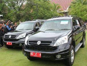 Walikota Makassar Tertarik Ganti Alphard dengan Esemka