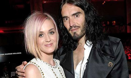 Tak Bisa Puaskan Hasrat Seks, Alasan Katy Perry Bercerai