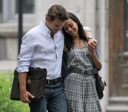 Bradley Cooper & Zoe Saldana Sudah Tinggal Bareng?