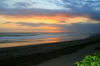 pantai seminyak (tripadvisor.com.sg)