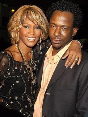 Selisih Paham, Bobby Brown Diusir dari Pemakaman Whitney Houston