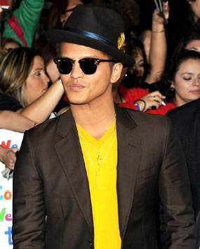 Bruno Mars Ciptakan \Billionaire\ Saat Krisis Ekonomi di Inggris