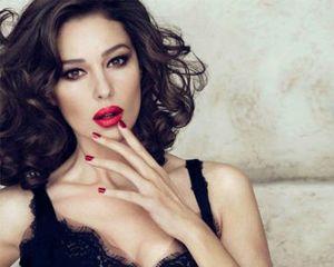 Monica Bellucci Jadi Wajah Baru Lini Kosmetik D&G