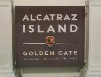 Plang pulau (buyalcatraztours.com)