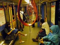 Kereta LRT Masih Jadi Pilihan Warga Malaysia