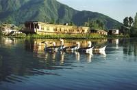 Dal Lake dan houseboat (expatify.com)