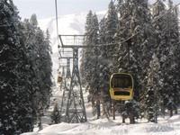 Cable Car menuju bukit Apharwat (trekearth.com)