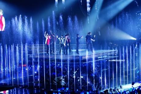 Antrean Konser Super Junior Hari Ketiga Diguyur Hujan Deras